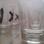 כוסות צייסר מסודרות בשורה