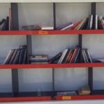 ספרייה פתוחה עם ספרים