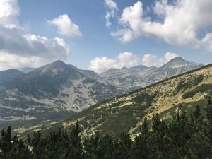 הרים רחוקים